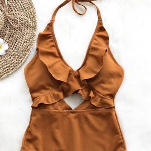 CUPSHE Stay With You Falbala One-piece Swimsuit